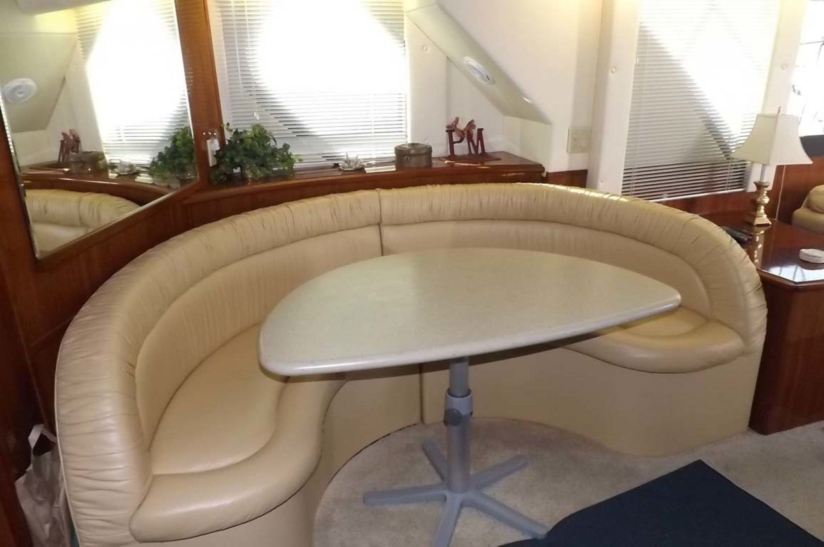 Bluewater Yachts-5200 2006 -Mount Pleasant-South Carolina-United States-Dinette-1412933 | Thumbnail
