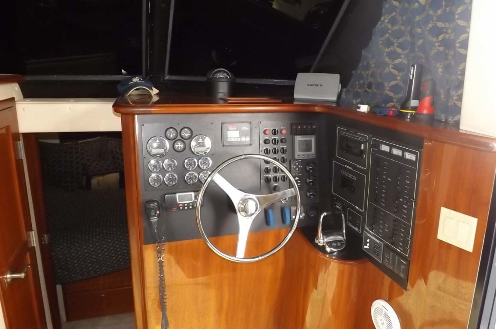 Bluewater Yachts-5200 2006 -Mount Pleasant-South Carolina-United States-Lower Helm-1412924 | Thumbnail