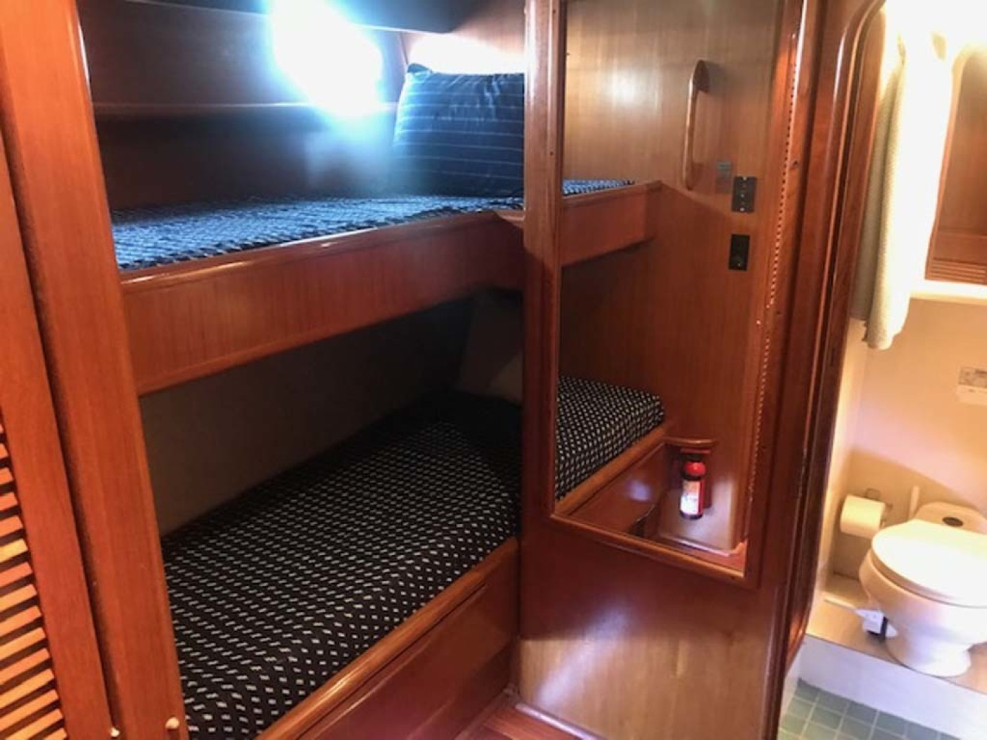 Viking-63 Widebody Motoryacht 1989 -Myrtle Beach-South Carolina-United States-Guest Stateroom Bunks-1413350 | Thumbnail