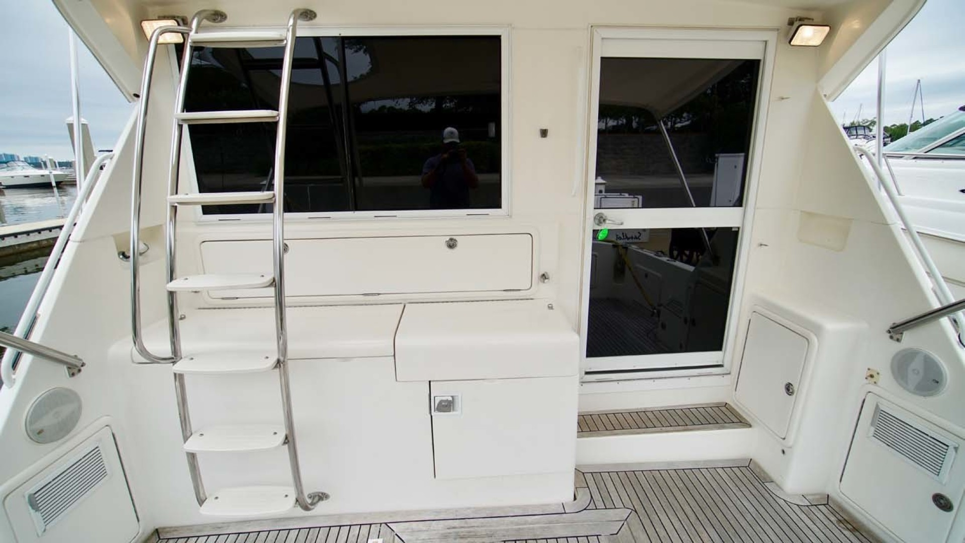 Riviera-43 Flybridge 2001-Sawbones Orange Beach-Alabama-United States-Cockpit-1413462   Thumbnail