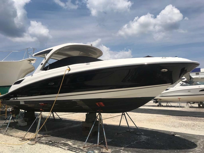 Sea Ray-350 SLX 2015 -Mount Pleasant-South Carolina-United States-Starboard Hull-1414811   Thumbnail