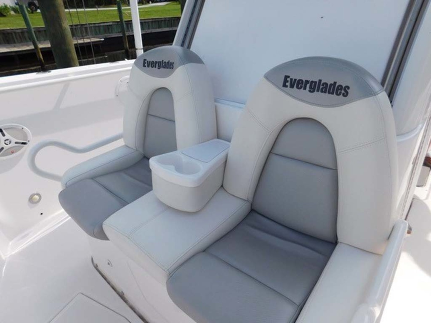 Everglades-325 CC 2012-Island Time Stuart-Florida-United States-Forward Console Seating-1414754 | Thumbnail