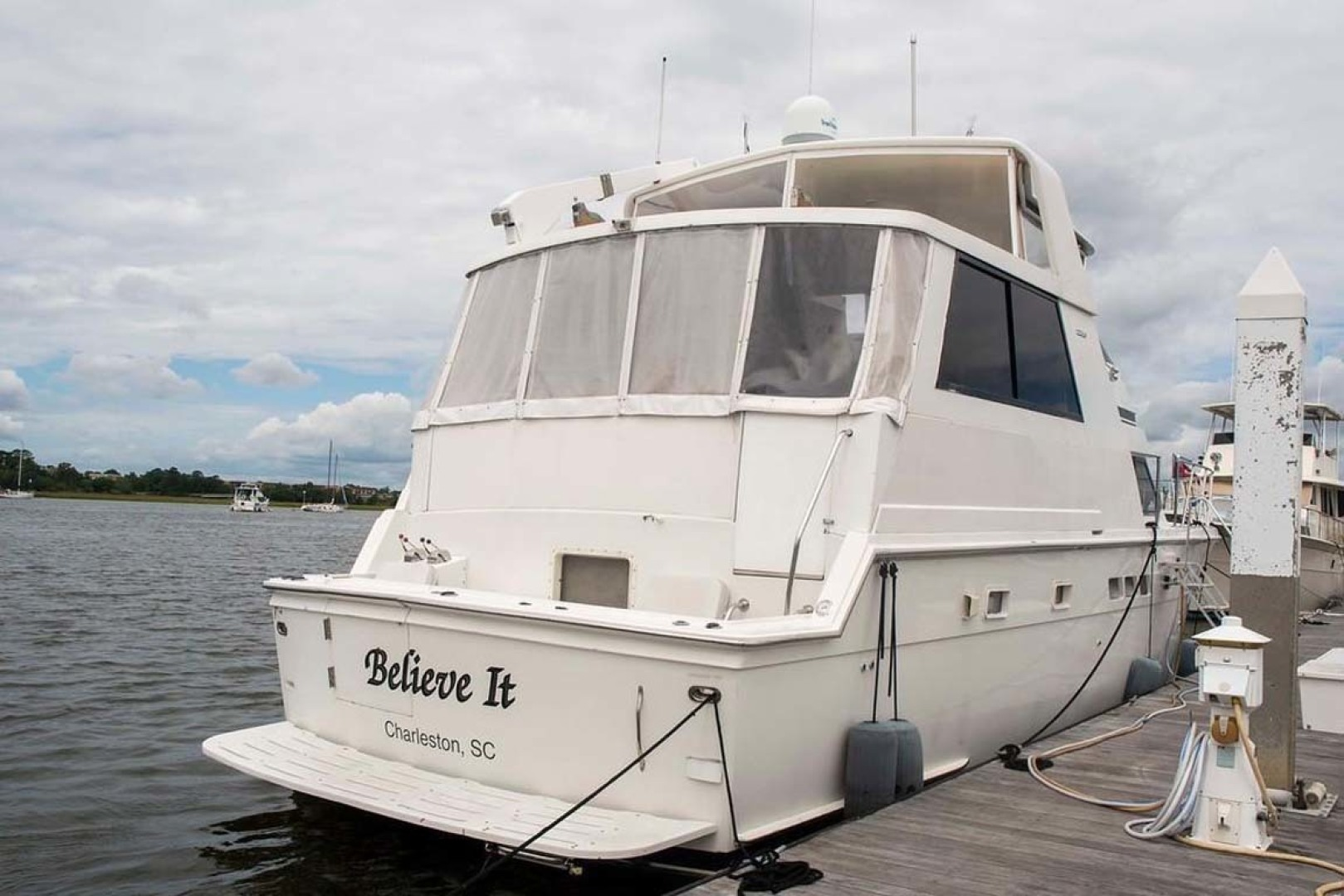 Hatteras-52 Cockpit Motor Yacht 1994-Believe It Mount Pleasant-South Carolina-United States-Stern View-1415468 | Thumbnail