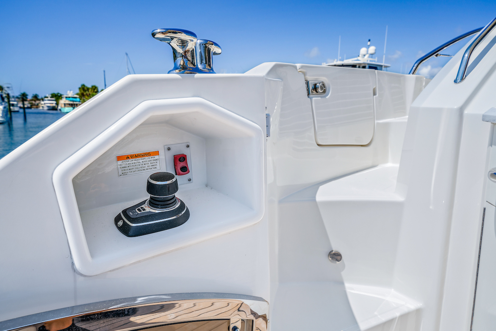 Sea Ray-L590 2018-Fishs Dream  Lighthouse Point-Florida-United States-Cockpit-1418313 | Thumbnail