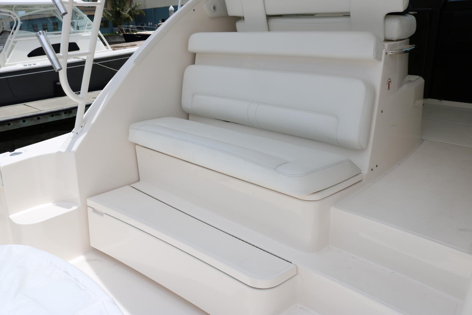 Tiara 43 - Ceviche - cockpit