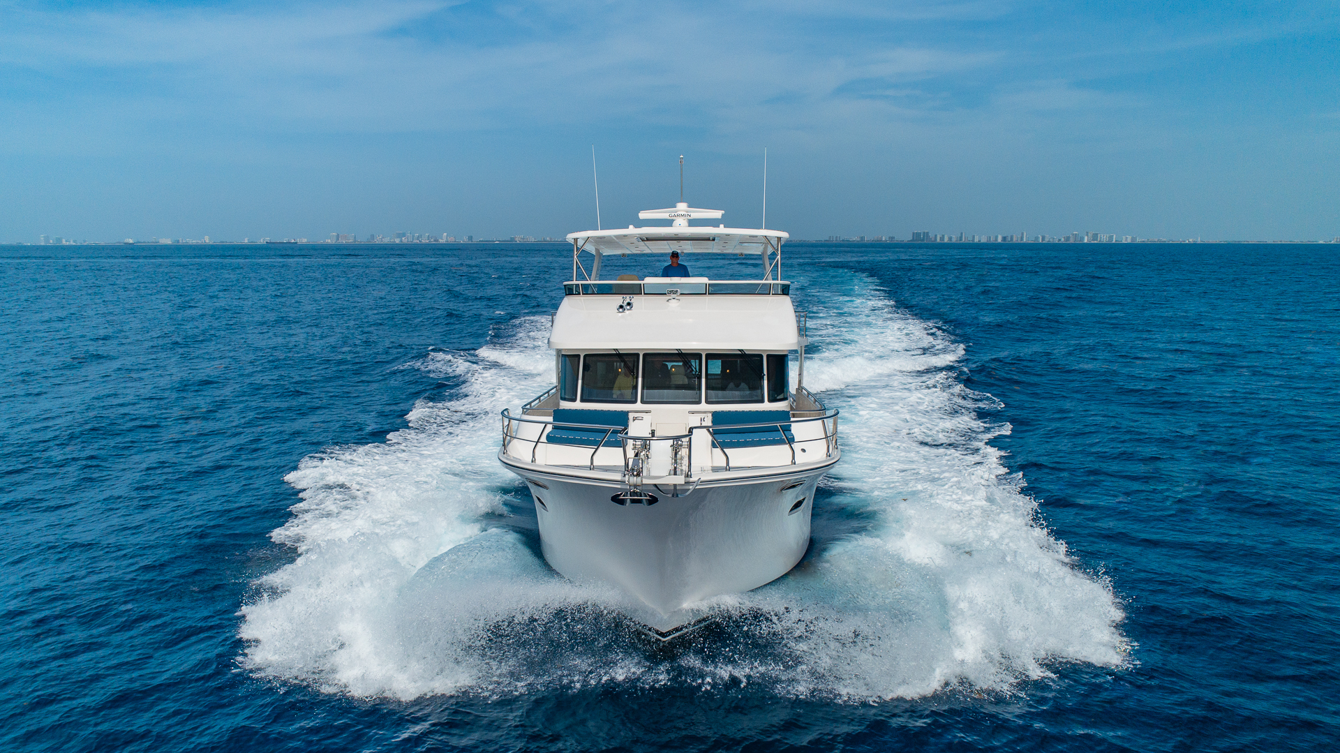 Picture Of: 68' Hampton 658 Endurance LRC 2020 Yacht For Sale | 2 of 60
