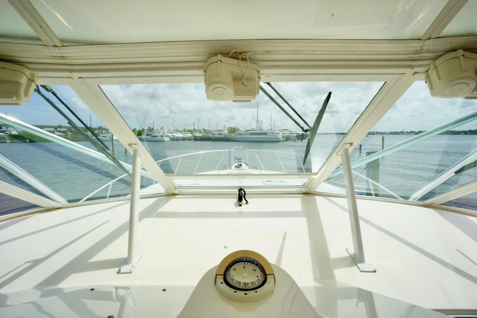 Cabo-52 Express 2007-Blueline Stuart-Florida-United States-Windshield-1507577 | Thumbnail
