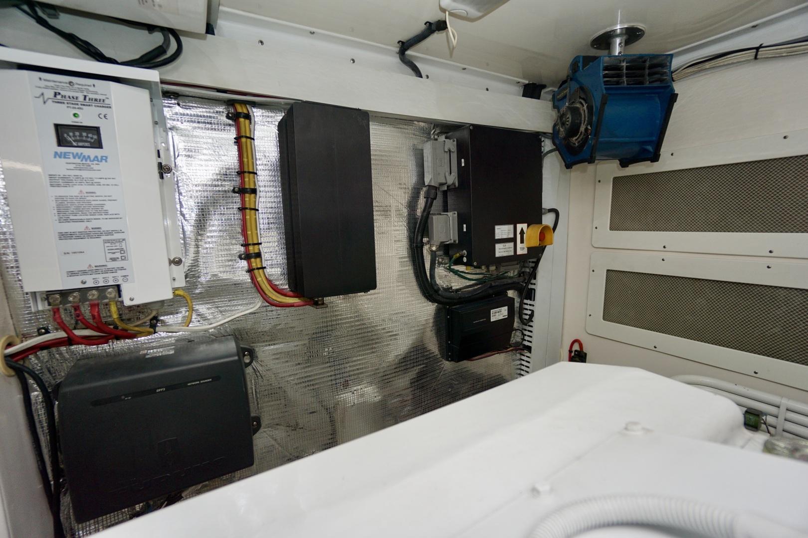 Cabo-52 Express 2007-Blueline Stuart-Florida-United States-Engine Room-1507611 | Thumbnail