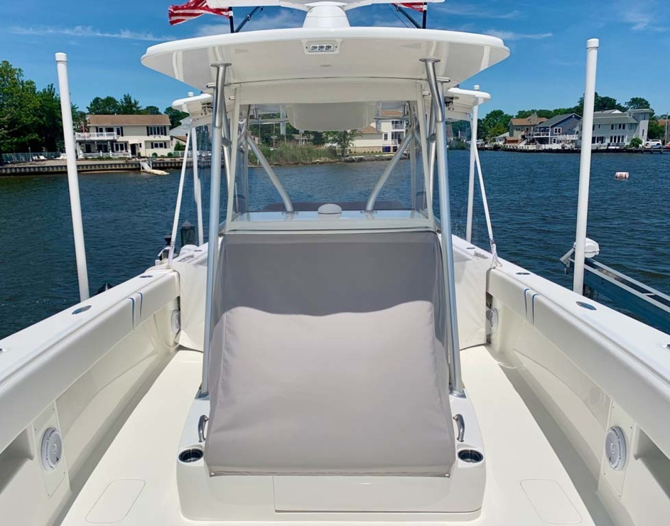 SeaVee-390B Center Console 2019-No Whey Toms River-New Jersey-United States-Forward Seat With Cover-1424907 | Thumbnail