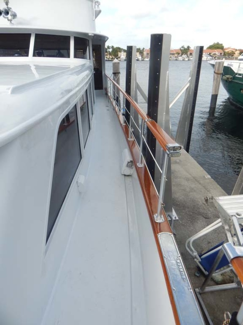 Burger-CPMY 1980-Papillon Aventura-Florida-United States-Starboard Side Deck-1426661 | Thumbnail