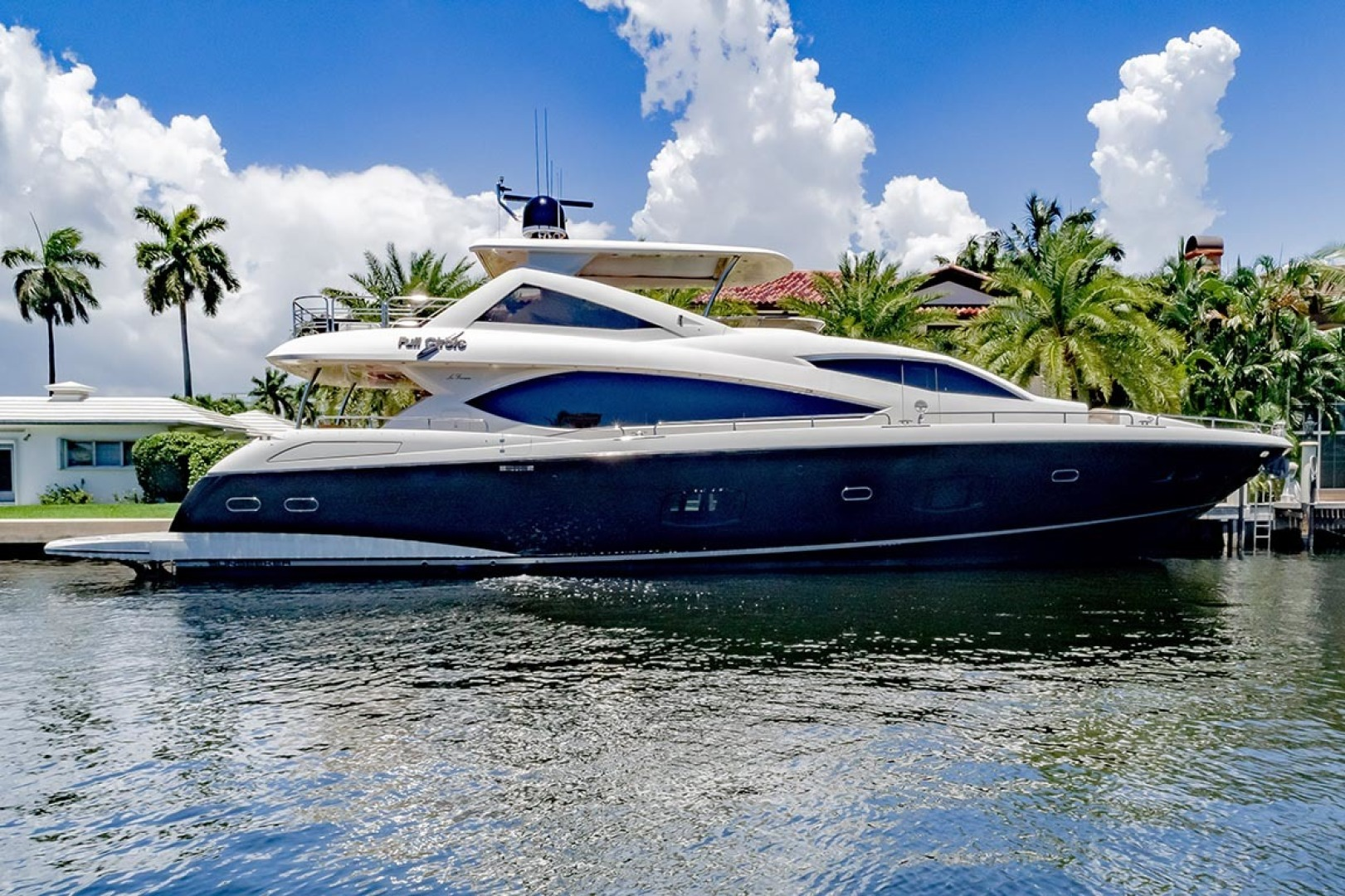 "2014 Sunseeker 88' Motor Yacht ""Full Circle"""