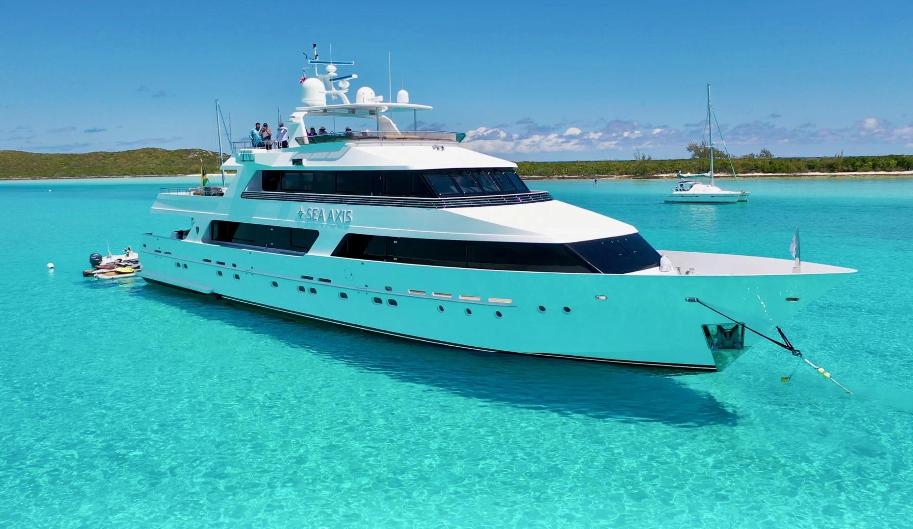 125' Heesen Tri-Deck Motor Yacht