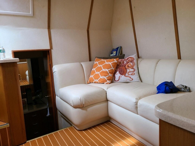Ocean Yachts-40 Express 2001-Alexa Corinne Long Island-New York-United States-Salon   -1430766 | Thumbnail