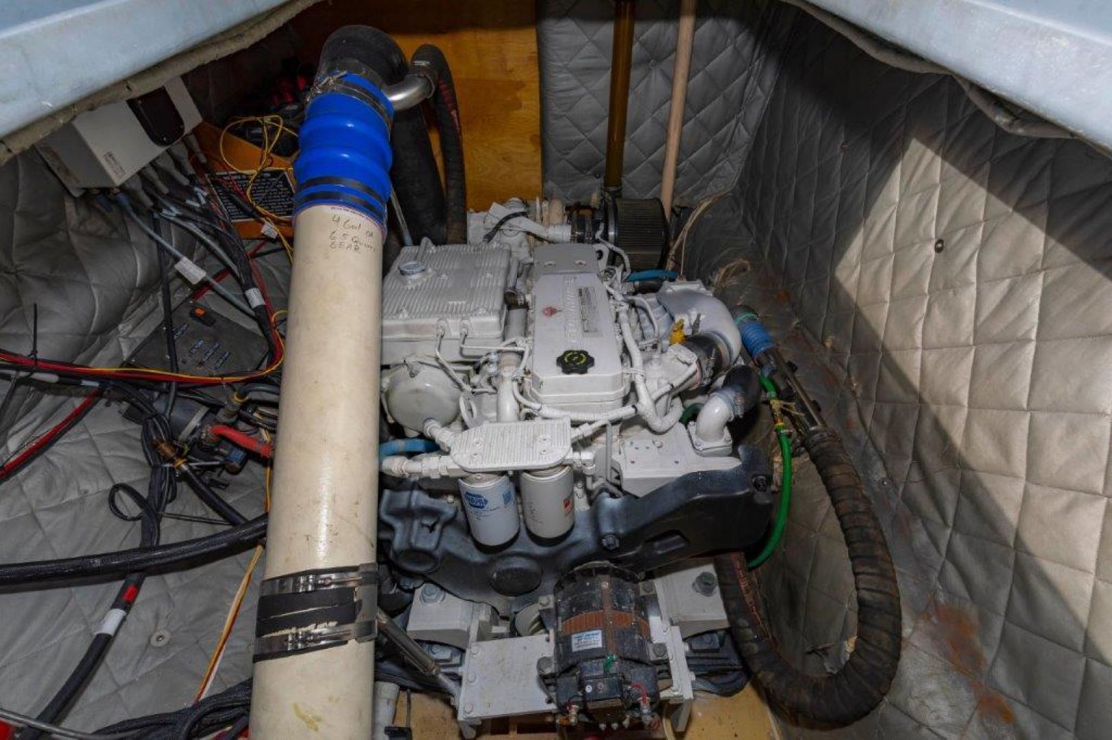 Custom-Cold Molded Cat Craft  1999-MEGALODON Marathon-Florida-United States-Engine Port-1431392 | Thumbnail