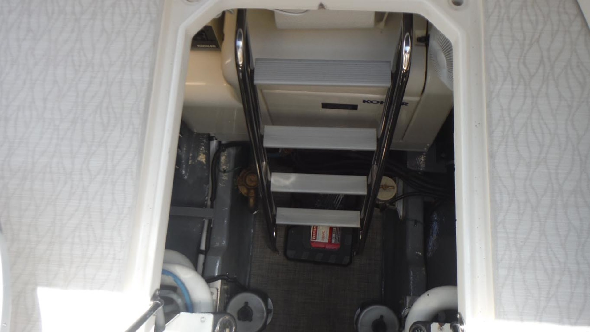 Sea Ray-500 Sundancer 1996-Fifty Shades Red Wing-Minnesota-United States-Ladder To Engine Room-1433687   Thumbnail