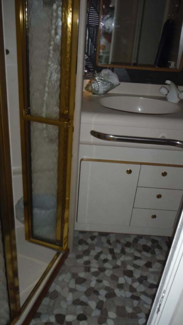 Sea Ray-500 Sundancer 1996-Fifty Shades Red Wing-Minnesota-United States-Guest Head with Custom Stone Flooring-1432956   Thumbnail