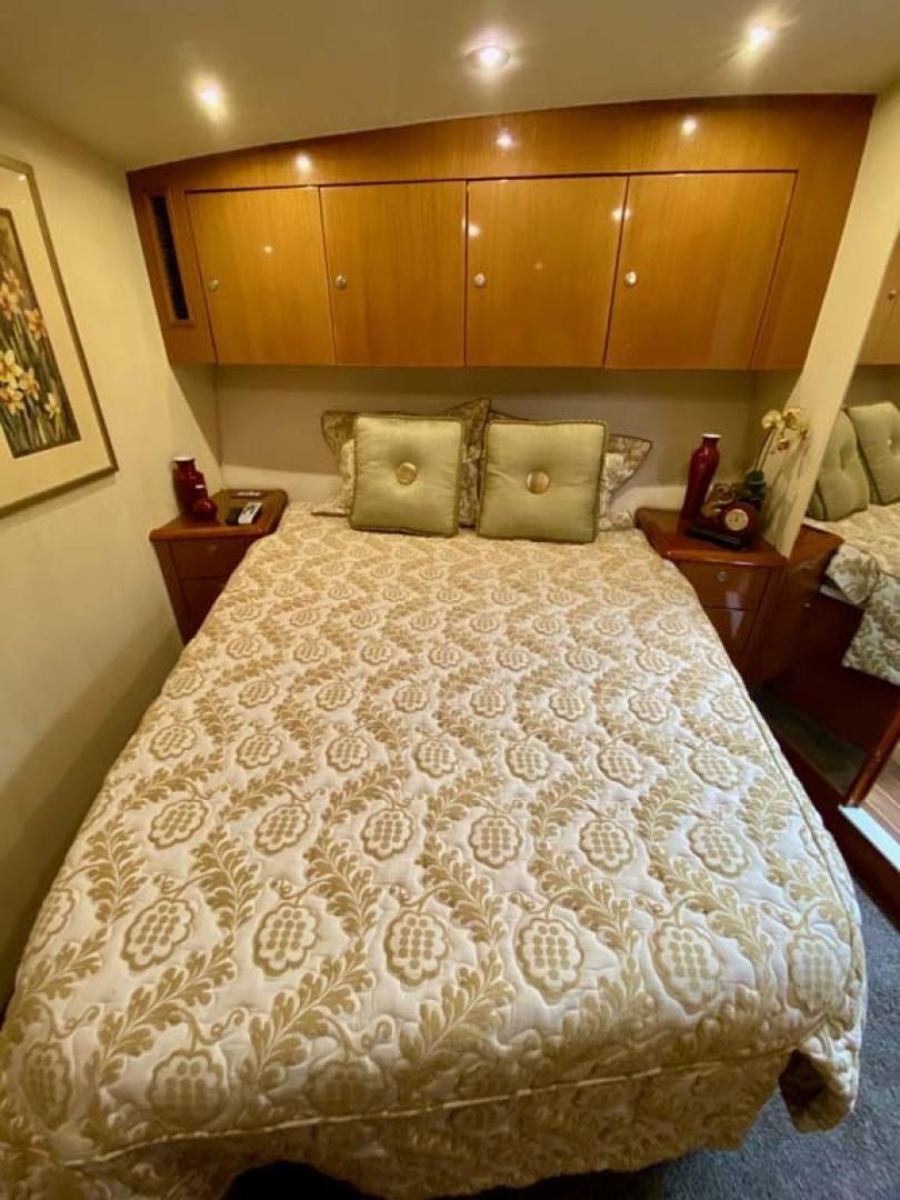 Ocean Yachts-SS 2005-Whiskey & Wine Stuart-Florida-United States-VIP Stateroom-1434570 | Thumbnail