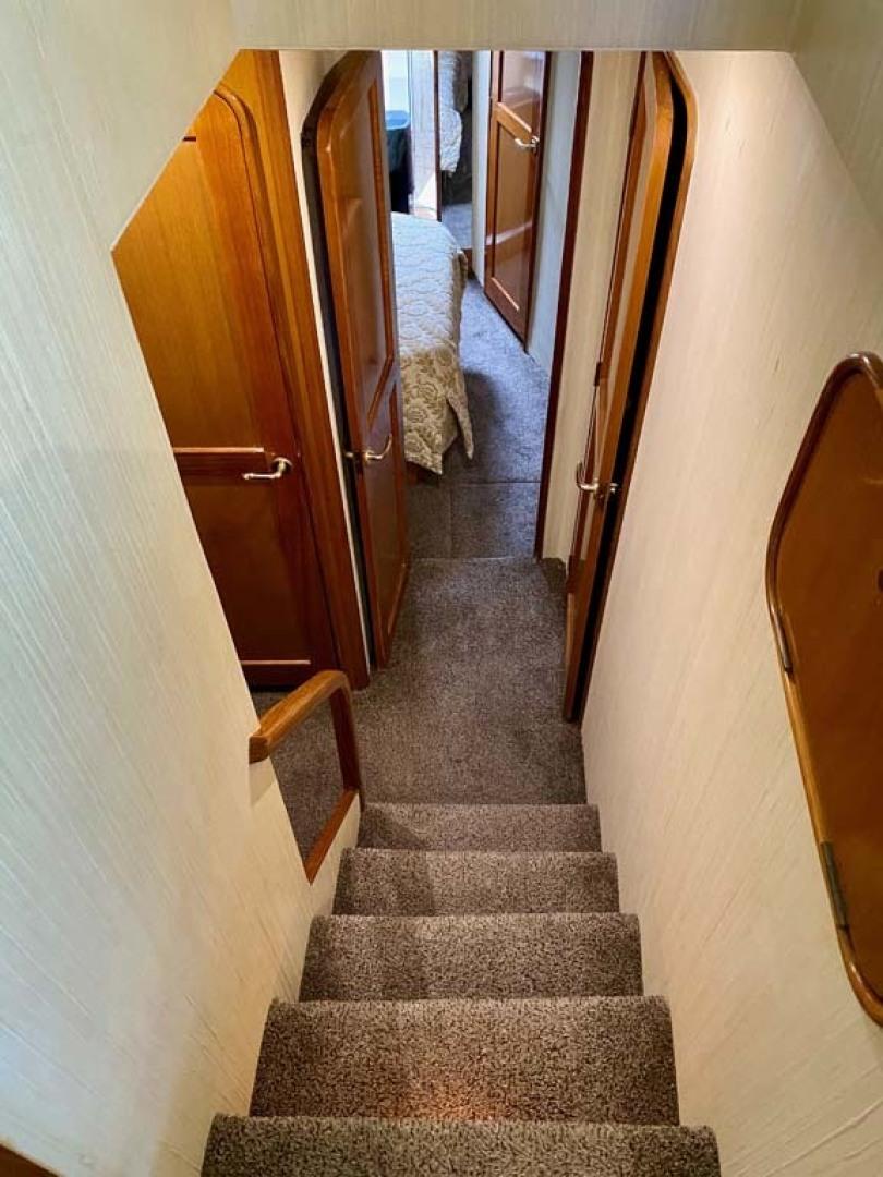 Ocean Yachts-SS 2005-Whiskey & Wine Stuart-Florida-United States-Companionway-1434560 | Thumbnail