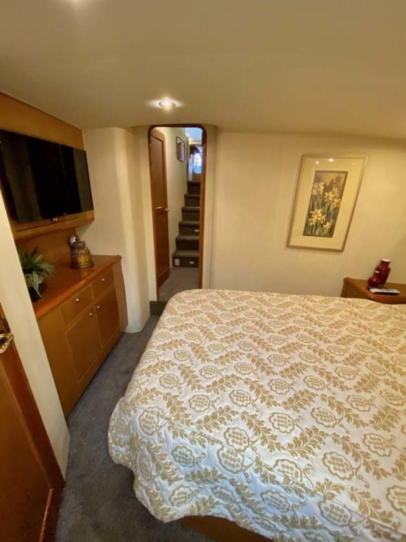 Ocean Yachts-SS 2005-Whiskey & Wine Stuart-Florida-United States-VIP Stateroom TV-1434571 | Thumbnail