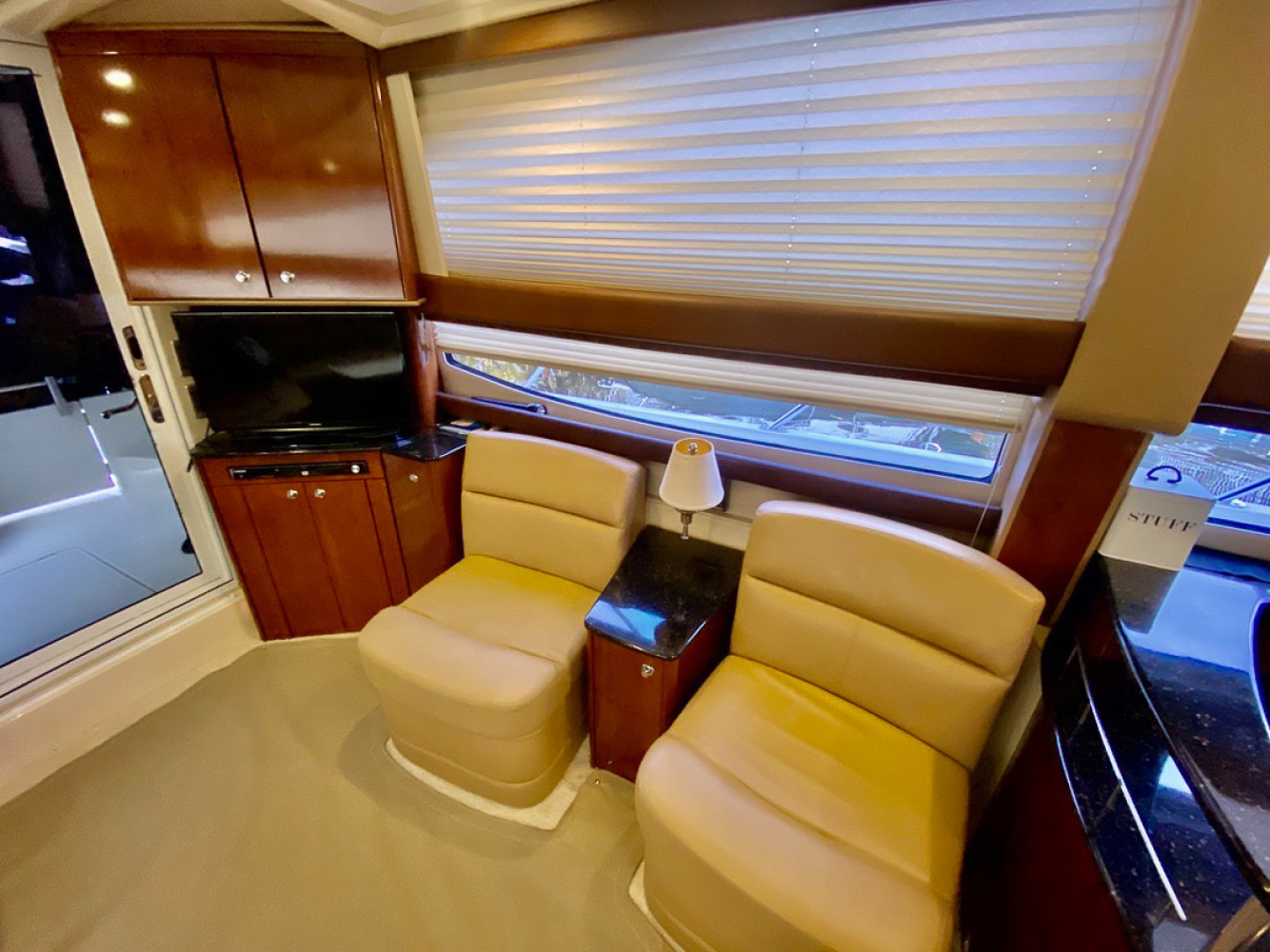 2008 Meridian 391 Sedan Bridge  508