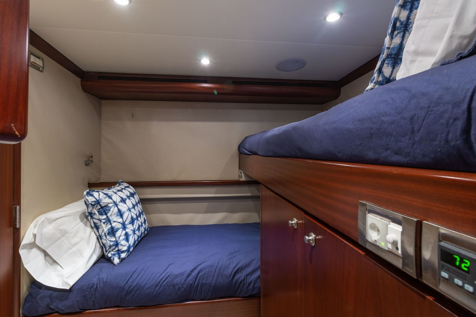 Cheoy Lee-Cockpit Motor Yacht  2007-Happiness British Columbia-Canada-1439036 | Thumbnail