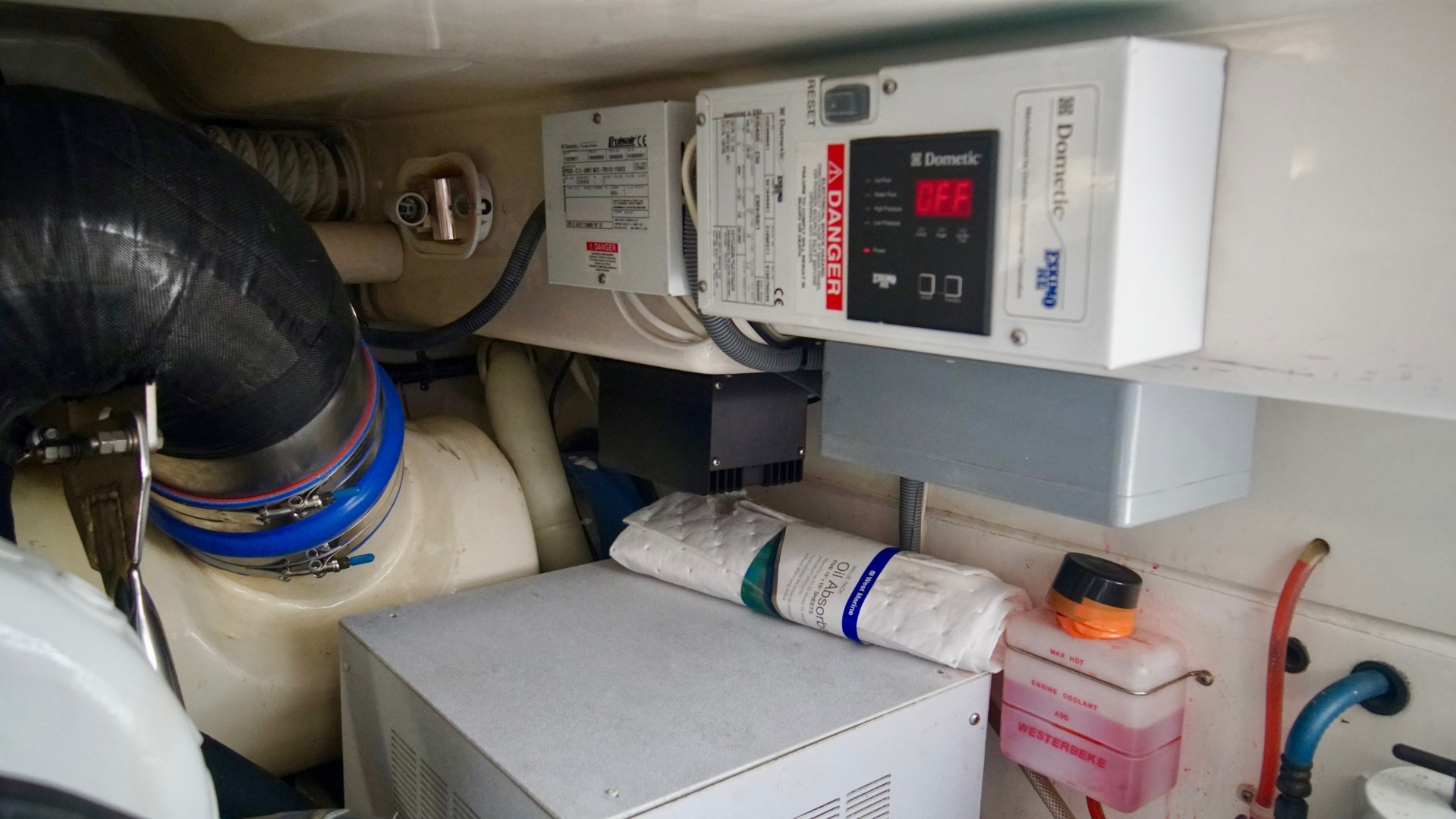 Cabo-40 Convertible 2009-Rip Rider Orange Beach-Alabama-United States-Engine Room-1440140 | Thumbnail