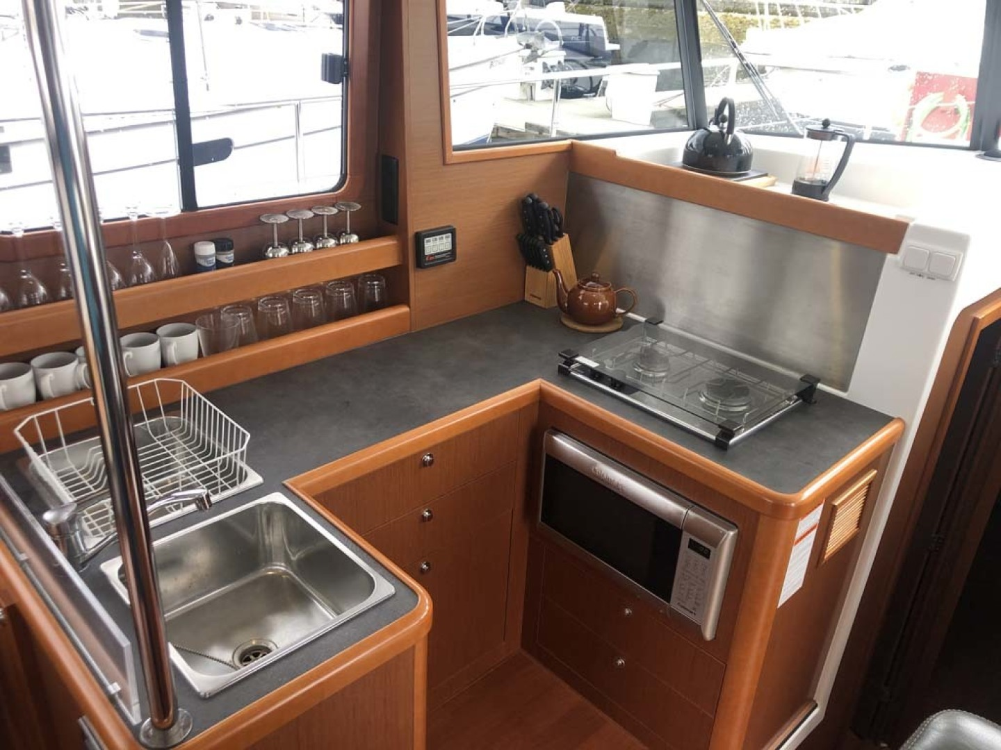 Beneteau-Swift Trawler 34 2015-Bon Sejour Vancouver, BC-Canada-Galley to Port-1441052 | Thumbnail