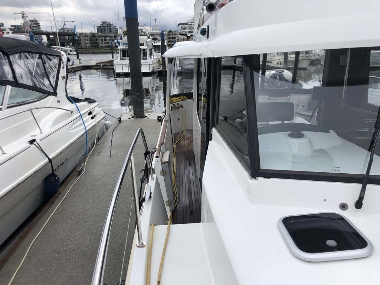 Beneteau-Swift Trawler 34 2015-Bon Sejour Vancouver, BC-Canada-Starboard Side Deck-1441086 | Thumbnail