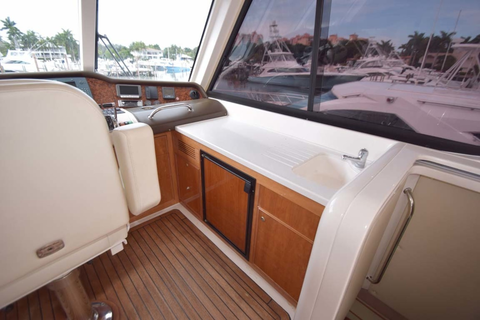 Riviera-Enclosed Flybridge 2007-Magica II Coral Gables-Florida-United States-Enclosed FB Refrigerator And Sink To STBD-1443154 | Thumbnail