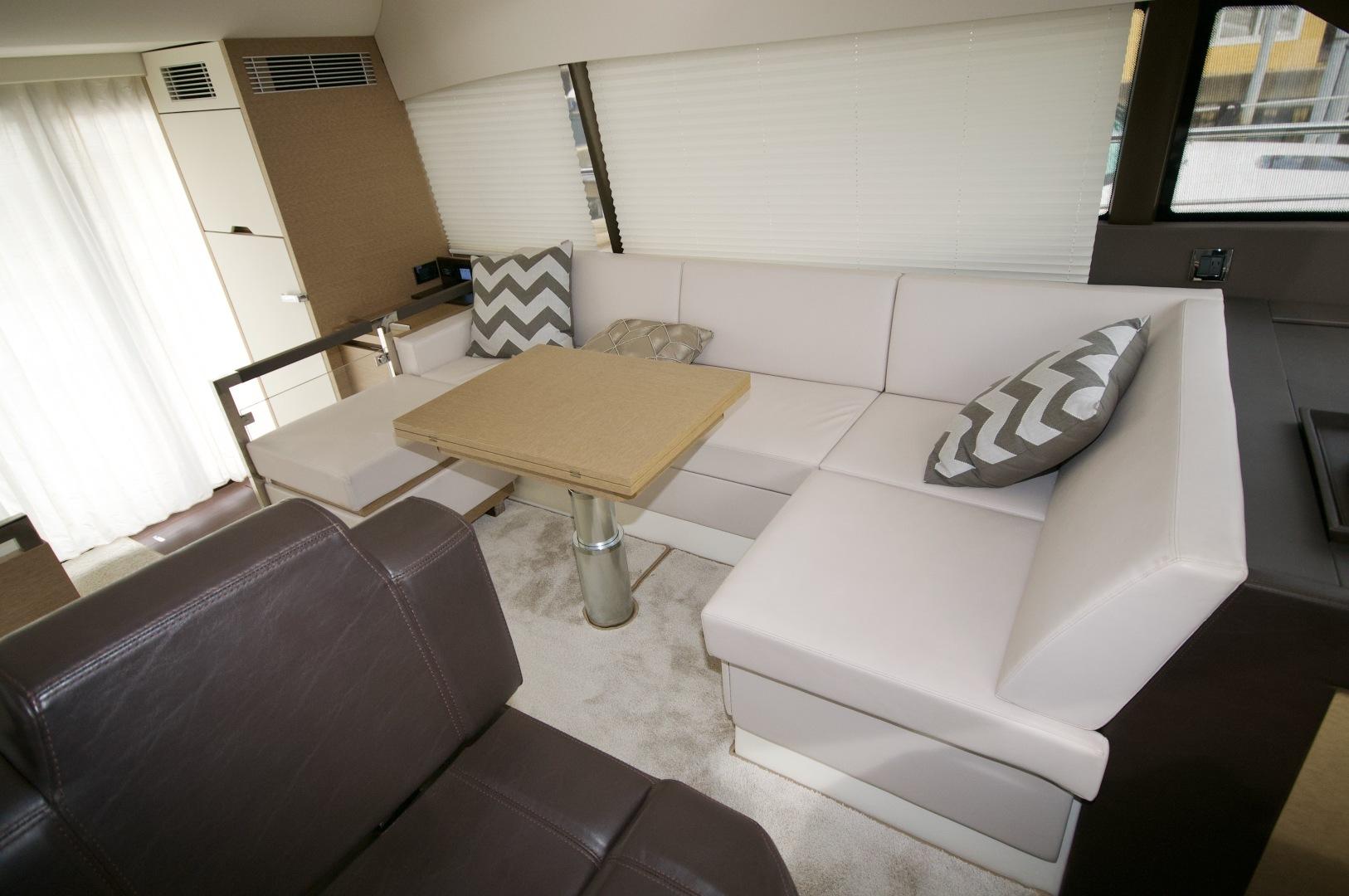 Prestige-460 S 2018-Unforgettable St Petersburg-Florida-United States-2018 Prestige 460 S Yacht  Unforgettable  Dinette-1501562   Thumbnail