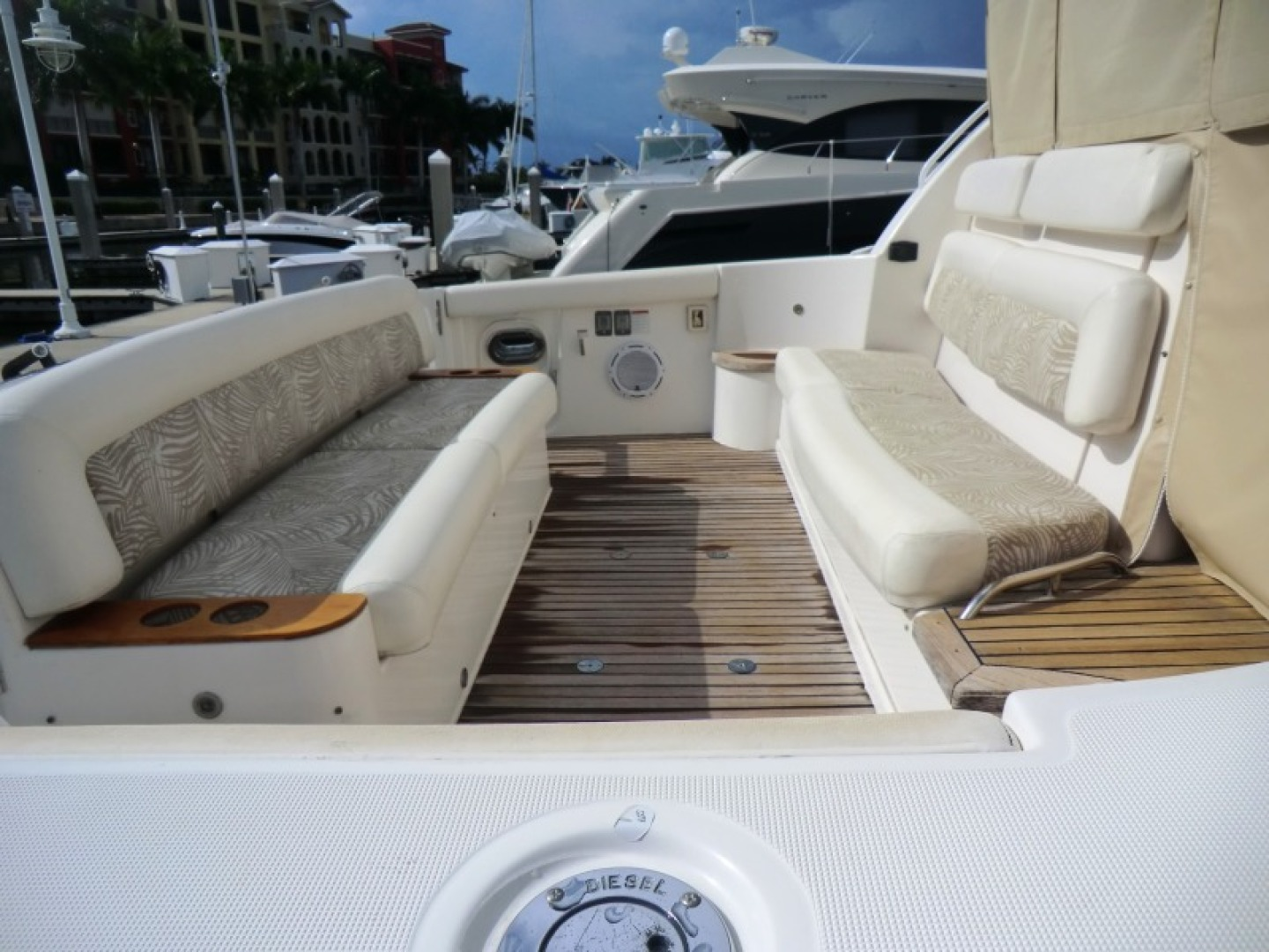 Tiara-44/4700 Sovran 2006-Far From Normal Marco Island-Florida-United States-Lower Cockpit Seating-1446386 | Thumbnail