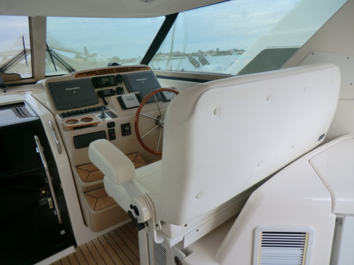 Tiara-44/4700 Sovran 2006-Far From Normal Marco Island-Florida-United States-Helm Station-1446385 | Thumbnail