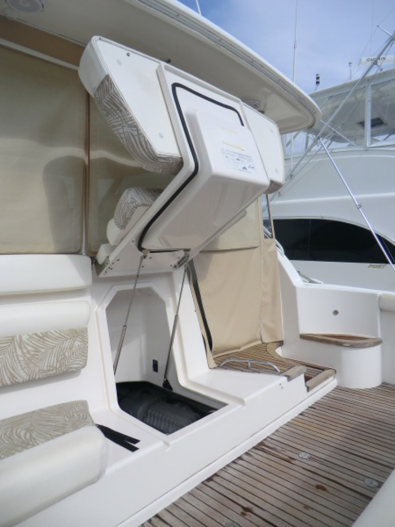 Tiara-44/4700 Sovran 2006-Far From Normal Marco Island-Florida-United States-Engine Room Access Thru Lower Cockpit-1446364 | Thumbnail