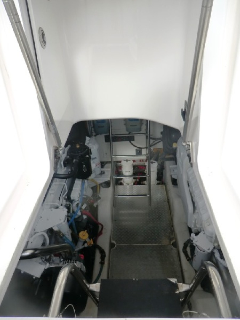 Tiara-44/4700 Sovran 2006-Far From Normal Marco Island-Florida-United States-Engine Room Access Thru Lower Cockpit-1446363 | Thumbnail