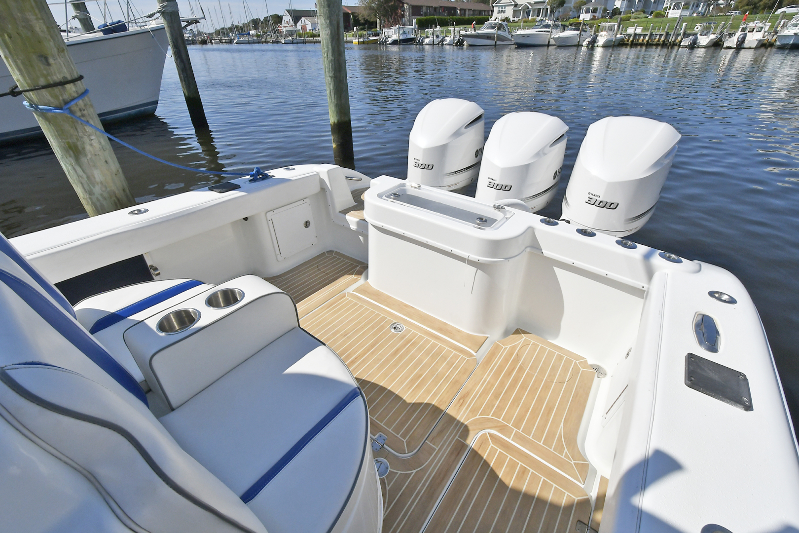 Yellowfin-36 Center Console 2019 -Patchogue-New York-United States-Cockpit -1468824 | Thumbnail