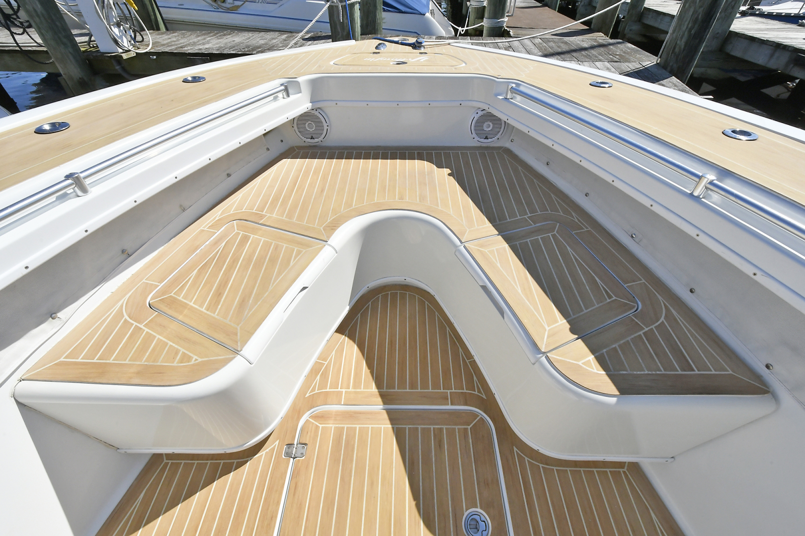 Yellowfin-36 Center Console 2019 -Patchogue-New York-United States-Custom Flex Teak Decking -1468829 | Thumbnail