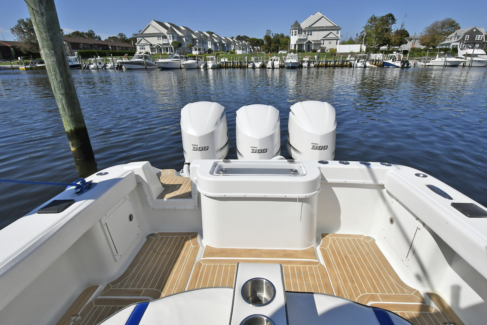 Yellowfin-36 Center Console 2019 -Patchogue-New York-United States-Cockpit -1468823 | Thumbnail