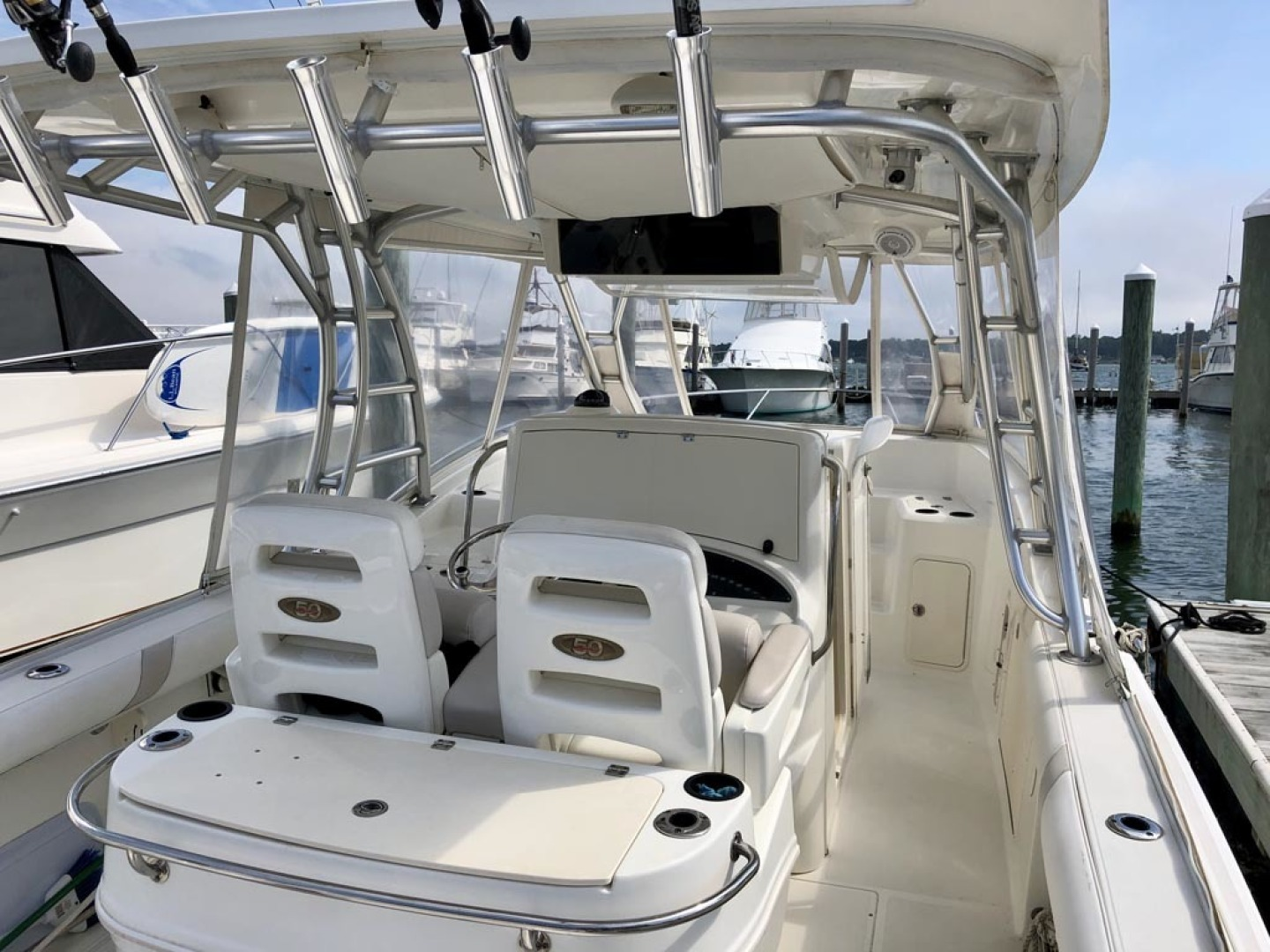 Boston Whaler-320 Outrage Cuddy Cabin 2008 -Onset-Massachusetts-United States-1447541 | Thumbnail