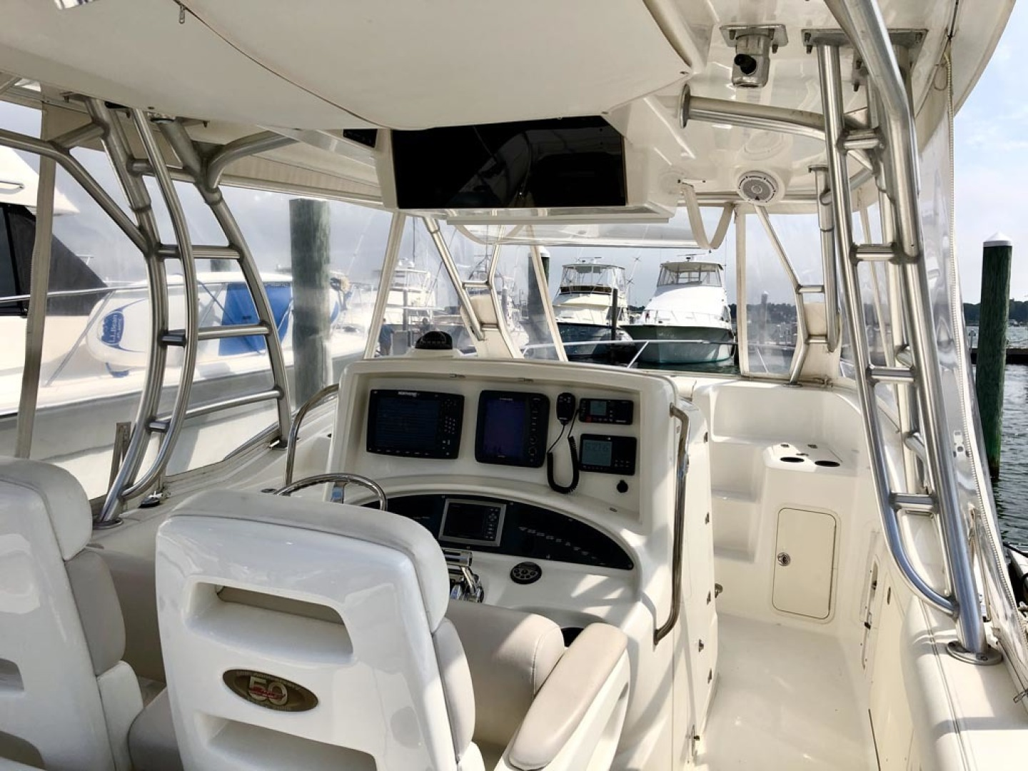 Boston Whaler-320 Outrage Cuddy Cabin 2008 -Onset-Massachusetts-United States-Helm Console-1447511 | Thumbnail