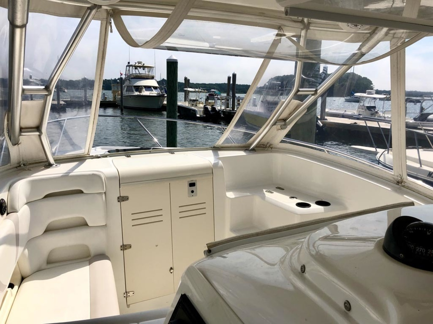 Boston Whaler-320 Outrage Cuddy Cabin 2008 -Onset-Massachusetts-United States-1447520 | Thumbnail