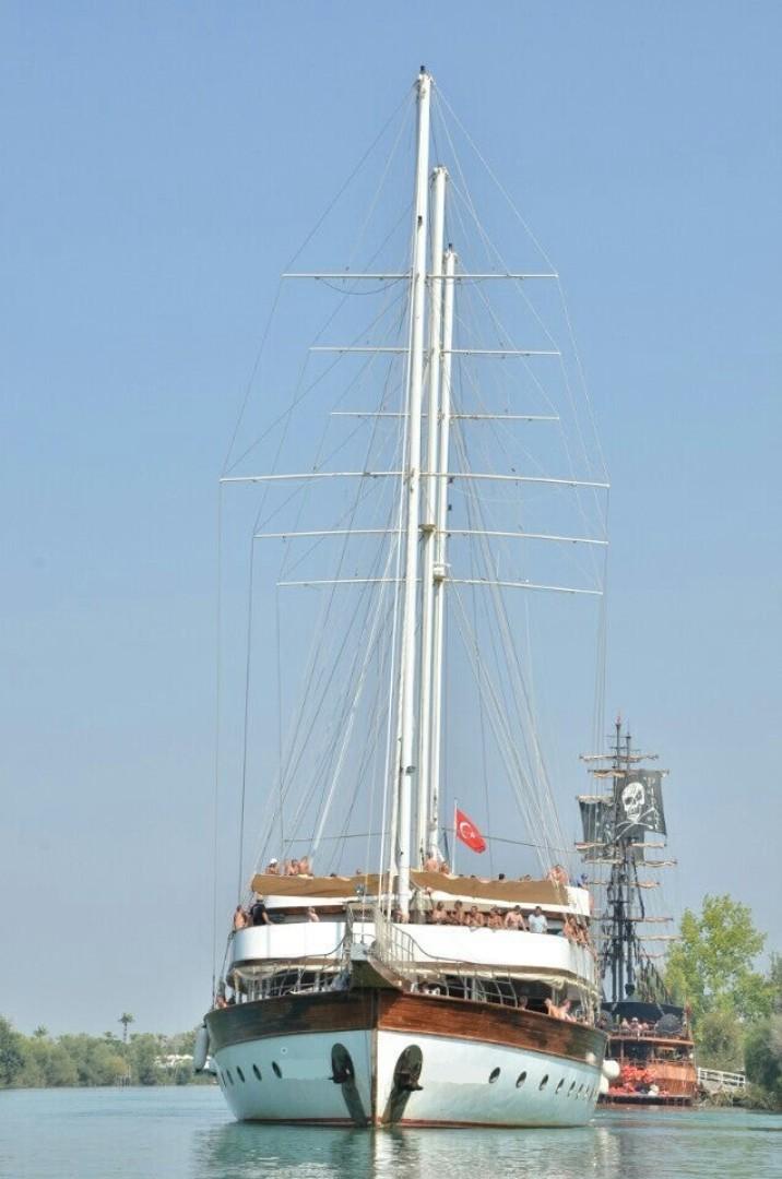 Custom-LZ-140 2009-My Dream Batumi-Georgia-Bow Profile-1447689 | Thumbnail