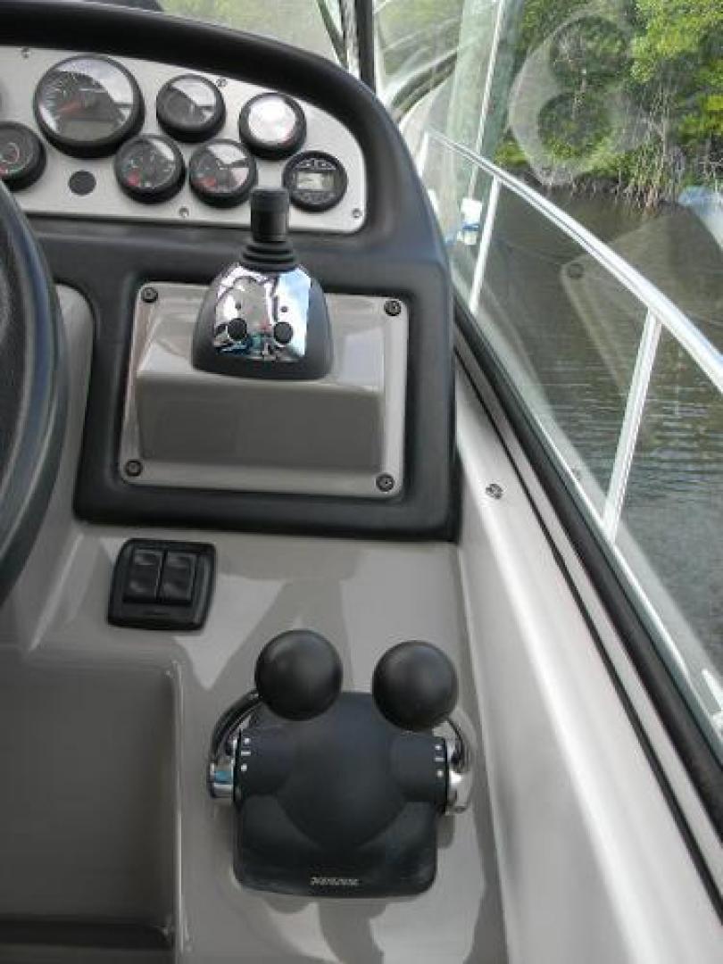 Cruisers-420 Express 2008-Jet VII St Petersburg-Florida-United States-2008 42 Cruisers Express Yacht Jet VII  Electronics Controls and Joystick-1448279 | Thumbnail