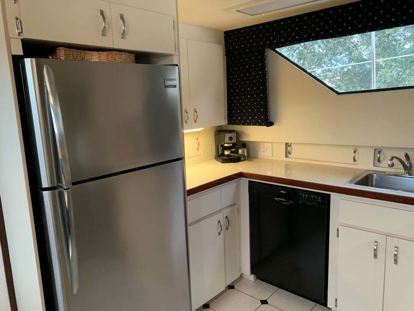 Hatteras-Euro Transom Motor Yacht 1989-Different Drummer II Stuart-Florida-United States-Galley Refrigerator-1449956 | Thumbnail
