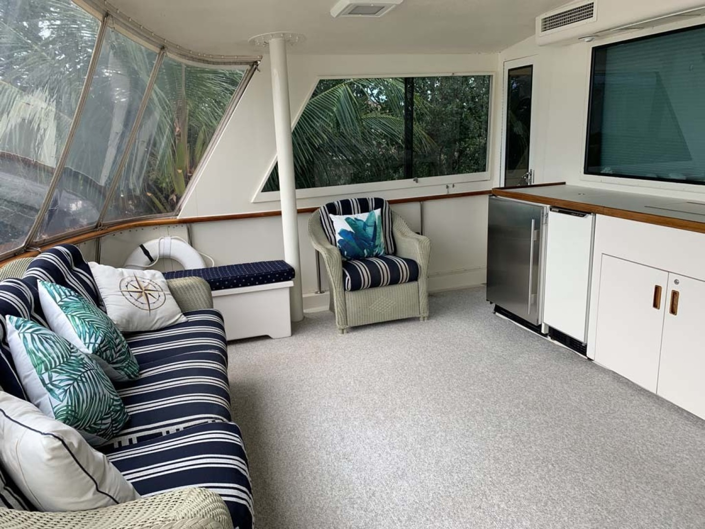 Hatteras-Euro Transom Motor Yacht 1989-Different Drummer II Stuart-Florida-United States-Aft Deck Window-1450014 | Thumbnail