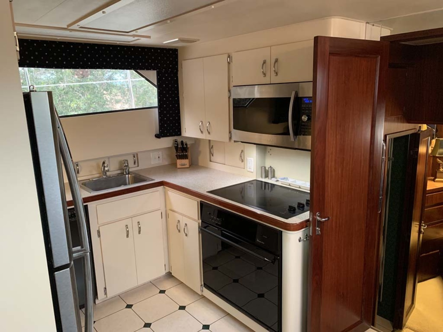 Hatteras-Euro Transom Motor Yacht 1989-Different Drummer II Stuart-Florida-United States-Galley-1449961 | Thumbnail