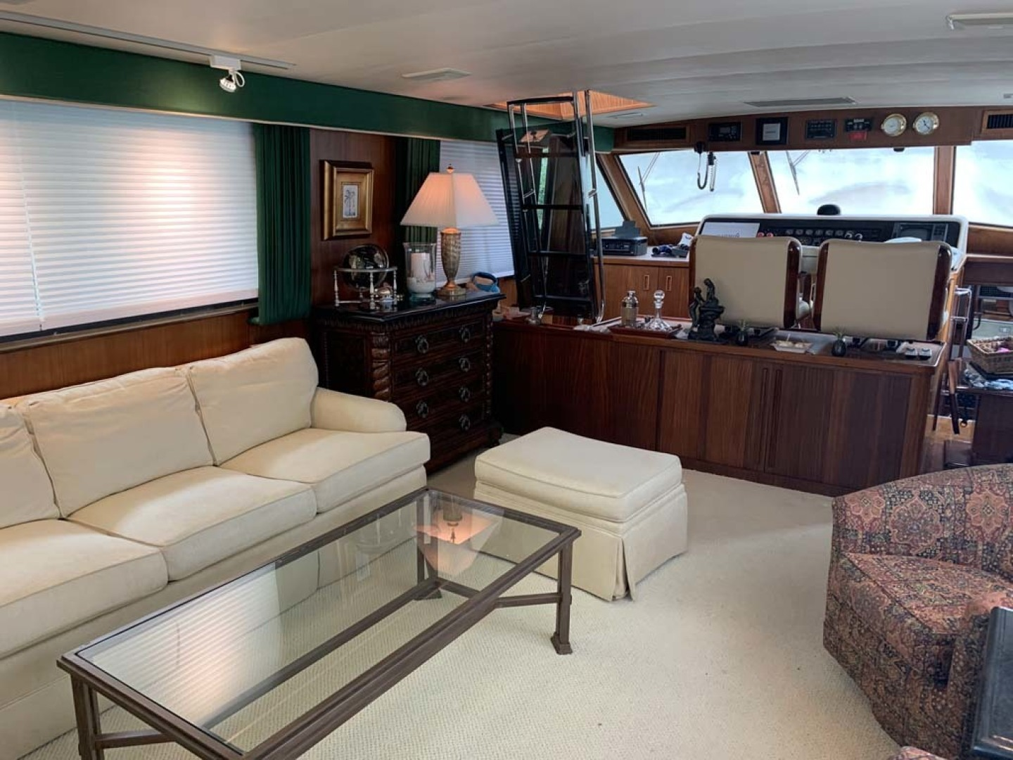 Hatteras-Euro Transom Motor Yacht 1989-Different Drummer II Stuart-Florida-United States-Salon Forward-1449947 | Thumbnail