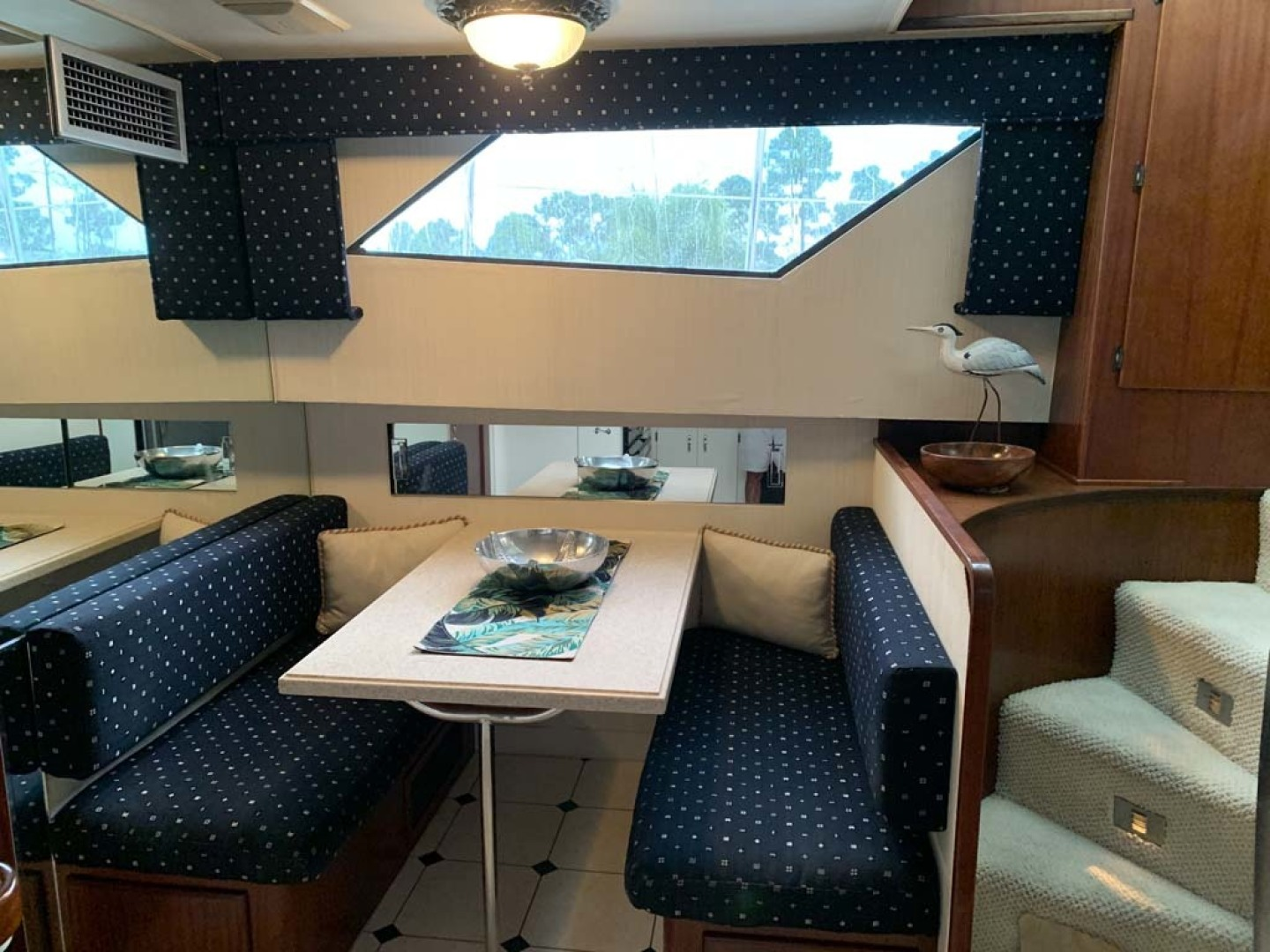 Hatteras-Euro Transom Motor Yacht 1989-Different Drummer II Stuart-Florida-United States-Dinette-1449955 | Thumbnail