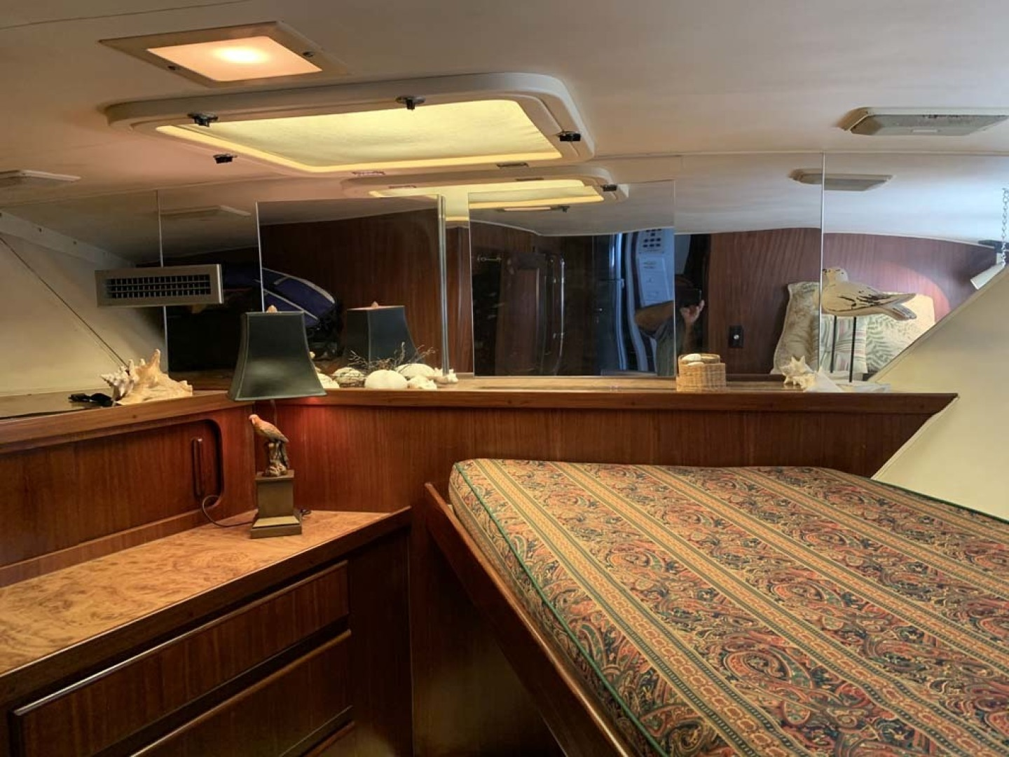 Hatteras-Euro Transom Motor Yacht 1989-Different Drummer II Stuart-Florida-United States-Forward Stateroom-1449981 | Thumbnail