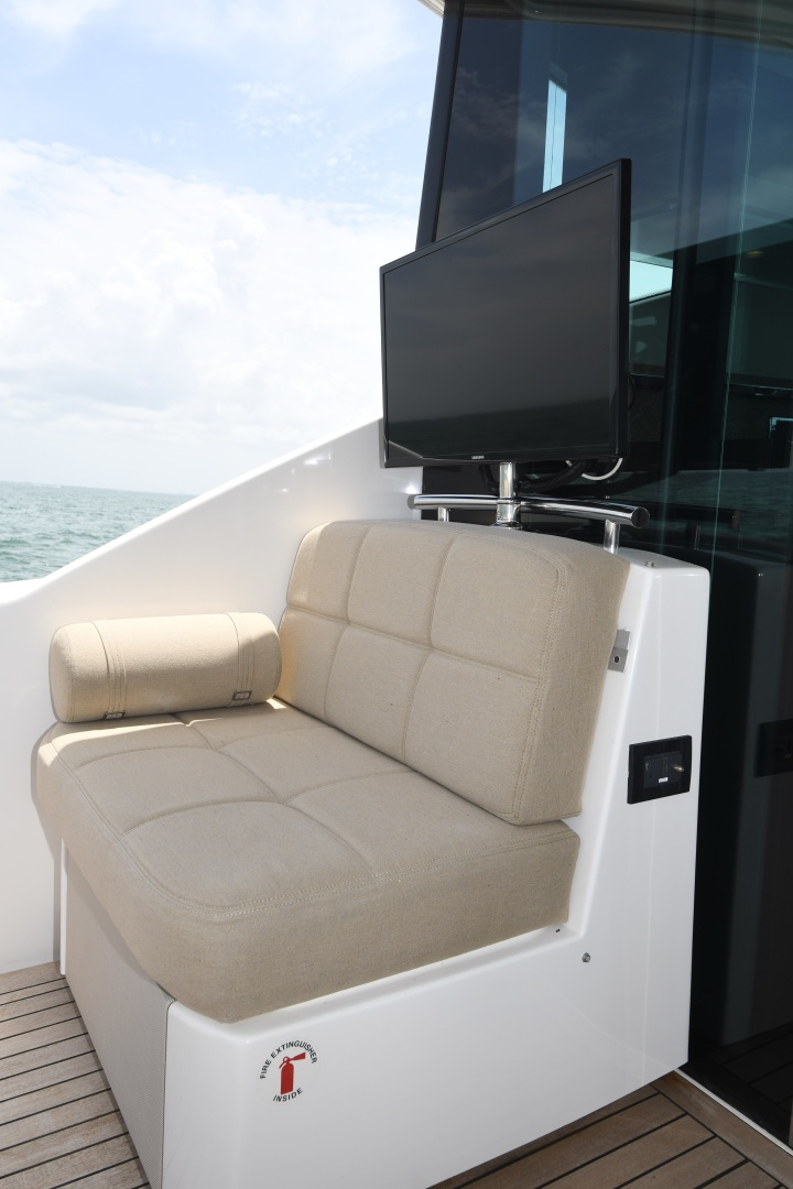 Tiara-50 Coupe 2014-Hoosier Daddy Anna Maria-Florida-United States-2014 Tiara 50 Coupe  Hoosier Daddy  Cockpit-1450872 | Thumbnail