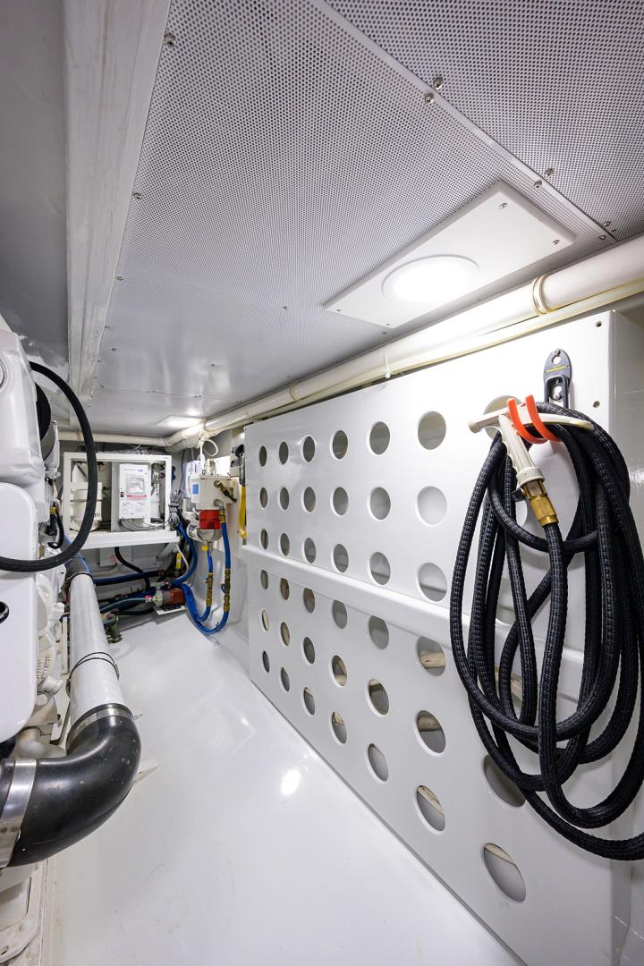 Monterey-Sportfish 1991-Lady Gemini Mantoloking-New Jersey-United States-Lady Gemini_engine_room_8-1451325 | Thumbnail